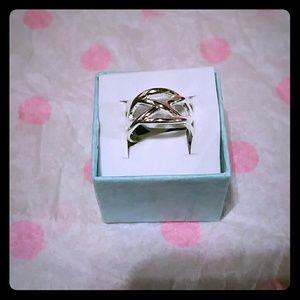 Jewelry - Brand new Silver plated Ring